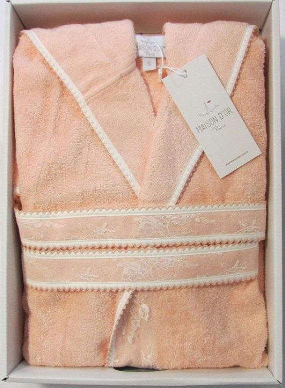 Женский халат бамбуковый Maison D'or Vassago с гипюром