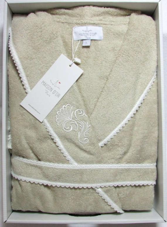 Женский халат бамбуковый Maison D'or Gloria с кружевом