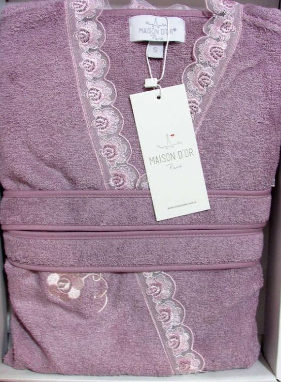 Женский халат бамбуковый Maison D'or Celyn с кружевом фиолетовый