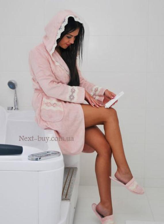 Maison D'or Vanessa Long махровый халат с кружевом розовый