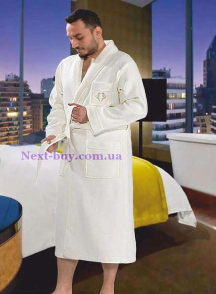 Мужской махровый халат Maison D'or Quattro с воротником коричневый