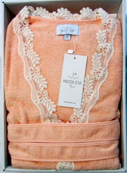 Женский халат бамбуковый Maison D'or Dina с кружевом персиковый