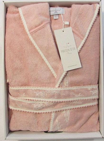 Женский халат бамбуковый Maison D'or Vassago с гипюром персиковый