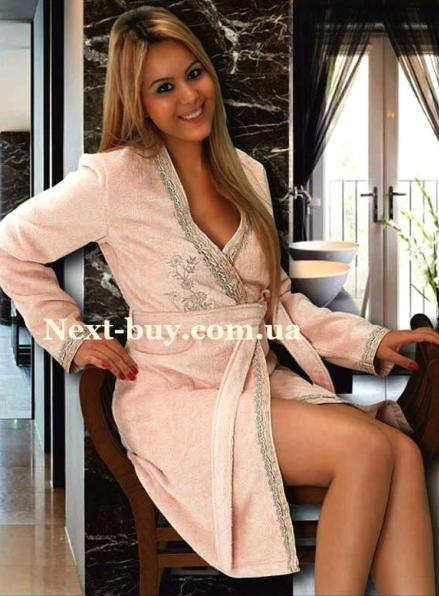 Женский халат махровый Maison D'or Sidney с вышивкой