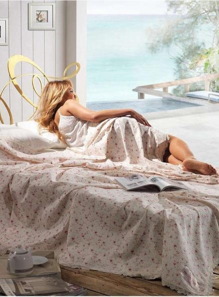 Maison D'or Roses покрывало вафельное с кружевом 220x240см