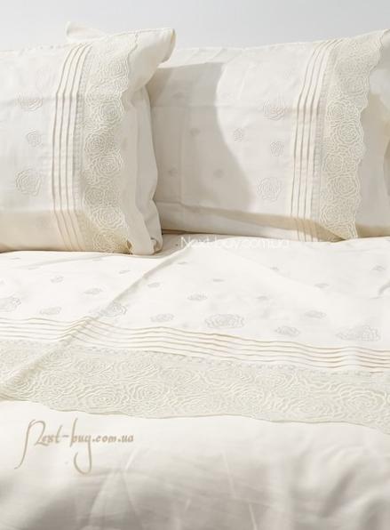 Maison D'or Roesia Estee Krem постельное белье евро 200х220 сатин с вышивкой