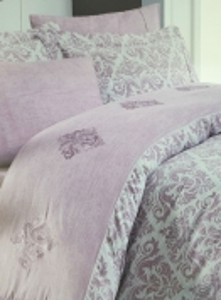 Maison D'or New Damask dark rose постельное белье евро 200х220 сатин с вышивкой